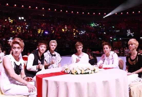【图】exo台下看表演 邓紫棋耍大牌对EXO傲慢