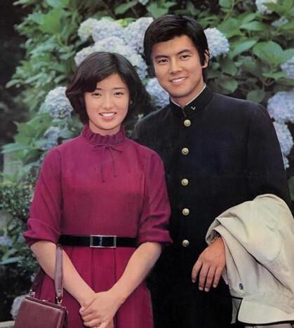 三浦友和山口百惠近照全家福曝光 结婚30年婚姻美满秘诀图片