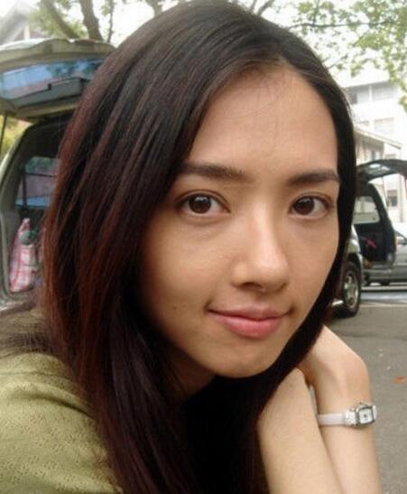 素颜美女郭碧婷生活照 揭整容前后对比照片
