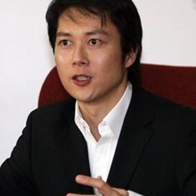 期待着方子萱与王灿的婚礼成真 多年搭档能否步入婚姻殿堂