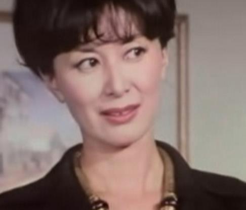 日本女星岸惠子女儿照片曝光 谈 好父亲 宇津井健去世泪奔图片