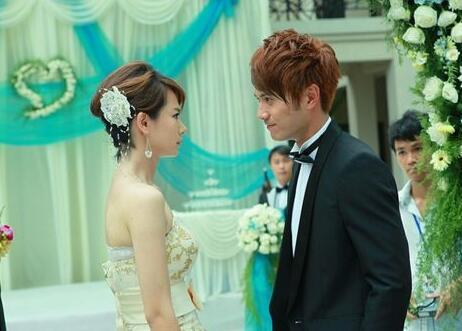 【图】徐正曦和戚薇结婚照证实为ps 《爱情》